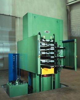 pressa stampaggio gomma2_gavo impianti elettrici